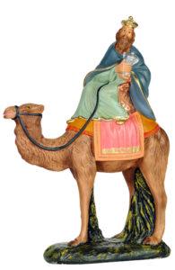 stauina di re magio a cavallo in gesso colorato per presepi